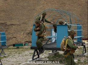 На полигоне Дарьял начались занятия по горной подготовке разведчиков